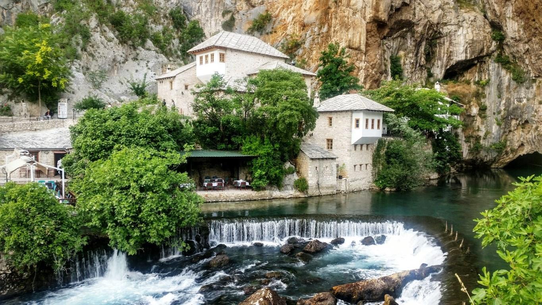 BOSNA-HERSEK BLAGAY'DA SARI SALTUK BEKTAŞİ TEKKESİ